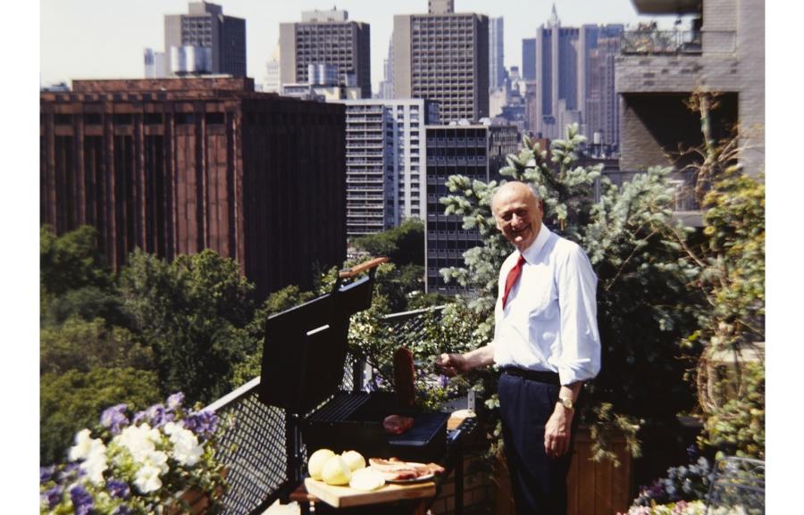 Mayor Ed Koch Grilling Outside NYC. Copyright Michael Mundy